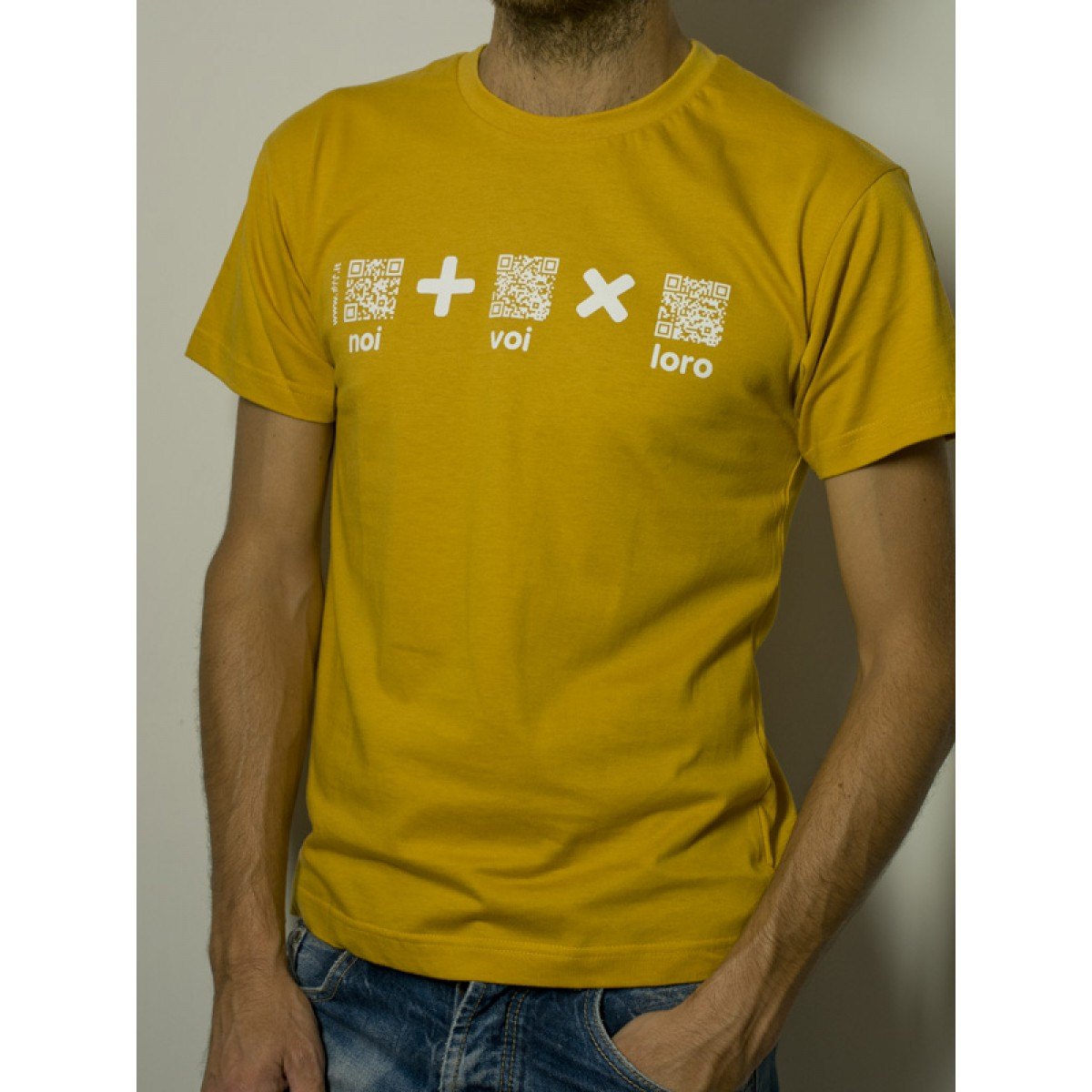 "T-Shirt ""AIL Code"" Unisex BIO - Colore Giallo - Stampa Bianca"